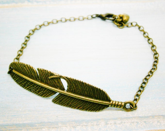 Antique Bronze Feather Bracelet/Boho Bracelet/Nature Inspired Bracelet/Woodland Jewelry/Bridesmaid Bracelet/Feather Bracelet/Bird Bracelet