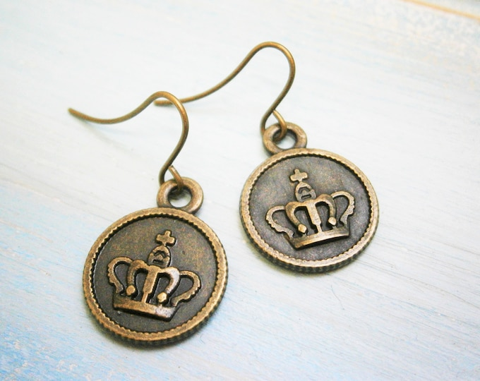 Antique Bronze Small Crown Disc Charm Dangle Earrings/Boho Earrings/Crown Earrings/Royal Earrings/Dangle Earrings/Dainty Earrings