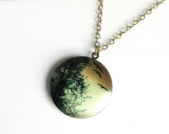 Tree and Bird Silhouette Picture Locket Necklace/Nature Jewellery/Nature Lover Jewelry/Tree Necklace/Locket Necklace/Photo Locket Necklace