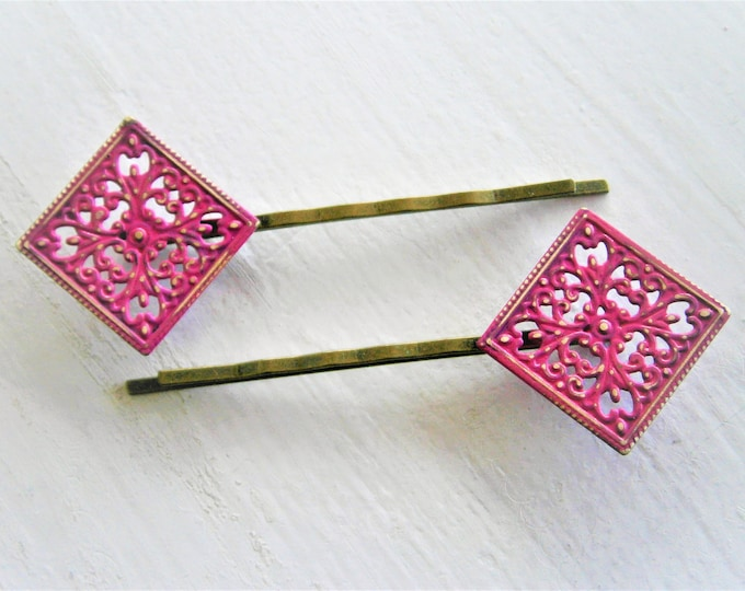 Hot Pink Patina Filigree Antique Bronze Bobby Pins Set of 2/Hair Clips/Bohemian Hair Clip/Shabby Chic Hair Clips/Bobby Pins/Vintage Style