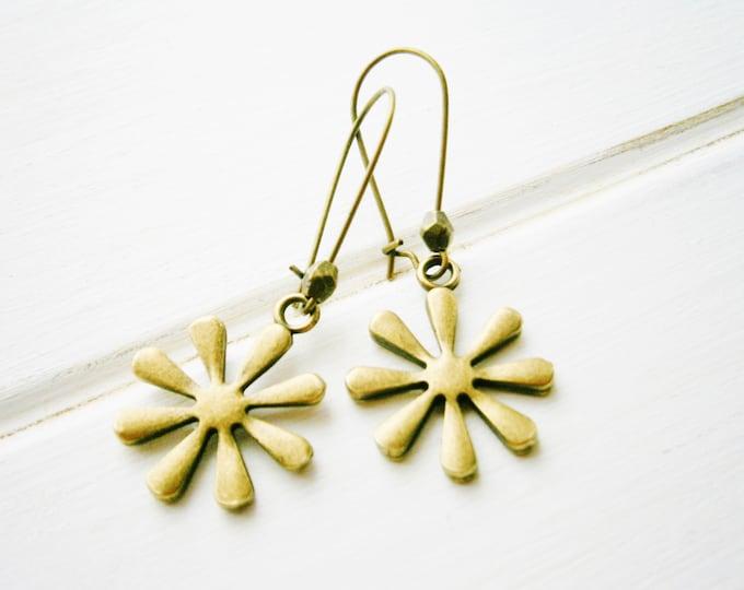 Antique Bronze Daisy On Antique Bronze Kidney Wire Earring Hooks/Dangle Earrings/Boho Jewelry/Woodland Jewelry/Nature Inspired
