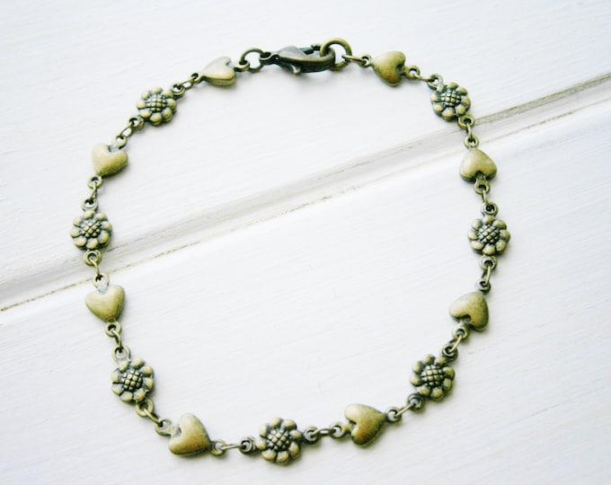 Antique Bronze Flower and Heart Chain Bracelet/Boho Bracelet/Nature Inspired Bracelet/Woodland Jewelry/Flower Girl Bracelet/Heart Bracelet