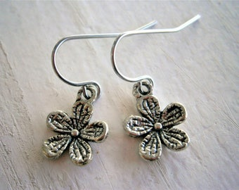 Antique Silver Plated Small Flower Pendant On Stainless Steel French Earring Hooks/Flower Earrings/Boho Style/Nature Jewelry/Wedding Jewelry