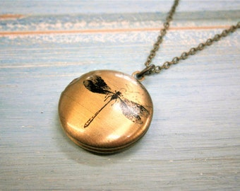 Dragonfly Small Round Locket Necklace/Antique Bronze Photo Locket Necklace/Boho Chic Necklace/Locket Necklace/Dragonfly Necklace/Locket
