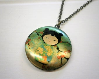 Japanese Doll Picture Locket Necklace/Antique Bronze Locket with detailed Photo of a Japanese Geisha Doll/Long Necklace/Locket Necklace.