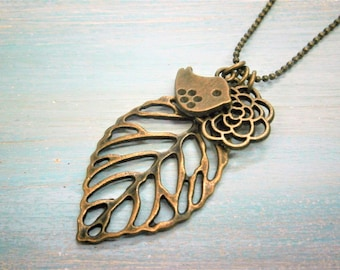 Antique Bronze Filigree Leaf Necklace with Filigree Flower and Small Bird Charms/Boho Necklace/Layering Necklace/Nature Inspired Jewellery