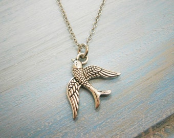 Antique Silver Small Bird Charm Necklace/Boho Necklace/Bridesmaids Gifts/Bird Necklace/Nature Necklace/Steampunk Jewellery/Bird Jewelry
