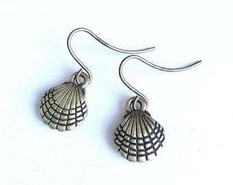 Antique Bronze Mini Seashell Charm Dangle Earrings/Boho Earrings/Seashell Earrings/Beach Earrings/Summer Earrings/Dainty Earrings