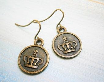 Antique Bronze Small Crown Disc Charm Dangle Earrings/Boho Earrings/Crown Earrings/Royal Earrings/Dangle Earrings/Dainty Earrings