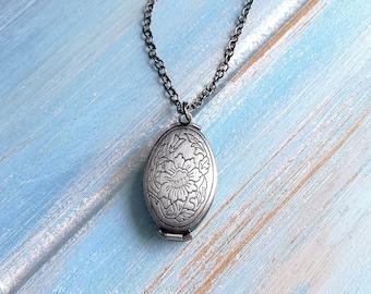 Floral Oval Locket Necklace/Antique Silver Photo Locket Necklace/Vintage Style/Multiple Photo Locket Necklace/Boho Necklace/Locket Necklace