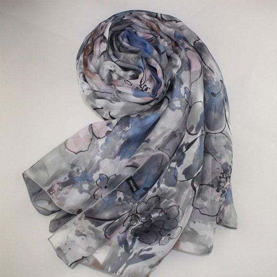 e46dd947411 Foulard de soie Floral gris foulard de soie Floral gris