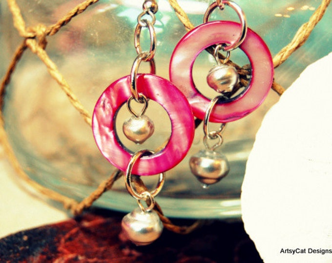 Pink Fuchsia Hawaiian Mother of Pearl Donut and Fresh Water Pearls Earrings - All authentic Pearls from Hawaii - FREE Mini Plumeria hairclip