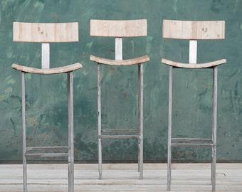 Gomma da pfu e legno per una collezione di sgabelli matrec