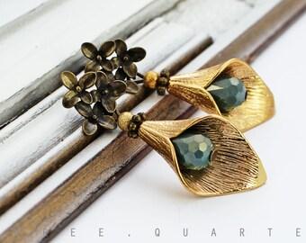 Earrings, flowers, gold, petrol blue, gold, petals, vintage, cute, romantic, gift, wedding, bridal jewelry, fine