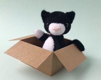 Small artist teddy cat, white cat doll, teddy kitten, teddy bear, stuffed animal, soft toy