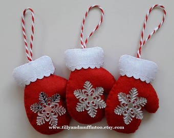 Red & White Felt Snowflake Mitten Christmas Ornament/Decoratio.Felt Mitten.Scandinavian Style Mitten Ornament/Decoration. Snowflake Mitten