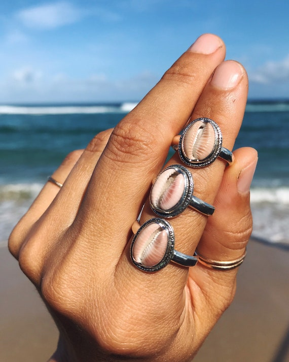 coffee bean trivia shell rings, size 7 / 8 / 9