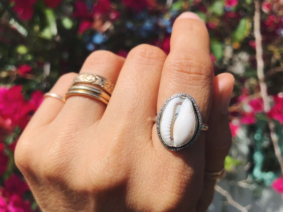 sterling silver cowrie shell ring, size 6 1/2