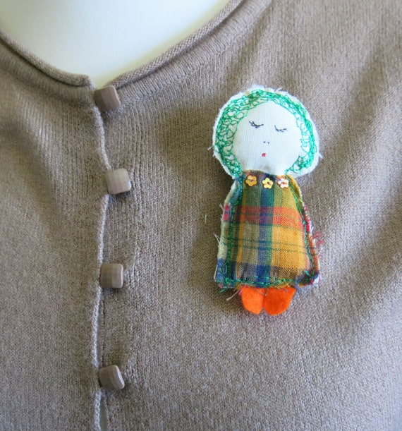 uk seller Fabric doll brooch bridesmaid gift fibre pin machine stitched have one personalised in your colour choice