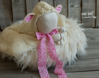 The White Lamb Bonnet with a pink ribbon /Needle Felted  Bonnet / Newborn Photography / Photo Prop