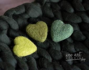 Tiny green hearts, set 3