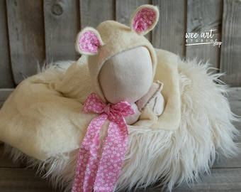 The White Cat Bonnet with a pink ribbon /Needle Felted  Bonnet / Newborn Photography / Photo Prop
