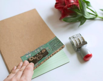 Beautiful Journal / Notebook with Illustration Vintage Green Camera