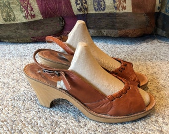 8a608b9c767 Vintage Bare Traps Brown leather wood heeled platform disco pump ankle  strap shoes size 8 size 9