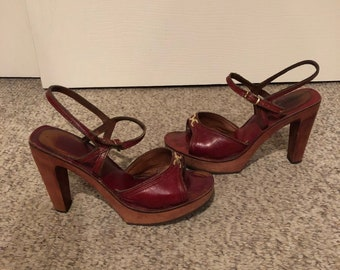 65e4378f38 Vintage 1970's Bare Traps Mahogany Brown Leather Wood Platform High Heels  w/ gold accent hardware size 6 size 7