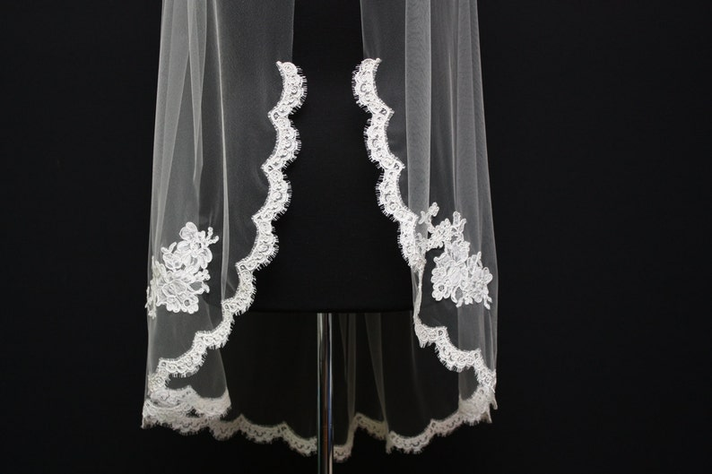 Applique lace veil patch lace lace bridal veil Alencon Lace Veil ivory lace veil fingertip veil bridal accessories scallop lace veil