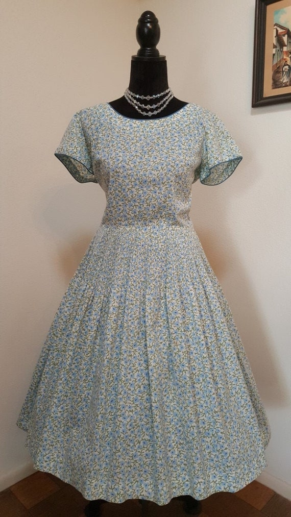 Great 50s Vintage Feed sack style Day Dress, 1950s