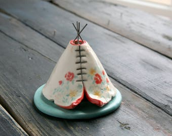 Wildflowers Incense Burner TeePee, Handmade Ceramic, Boho Floral Design, Stoneware Clay Pottery, Unique Bohemian Gift, Meditation Altar