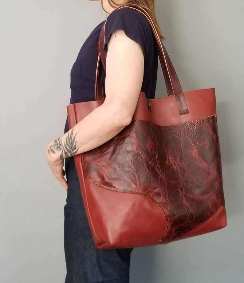 Large Pocket Classic Leather Shoulder BagLeather Shopper Unique and Luxe Minimalist Leather Tote Bag