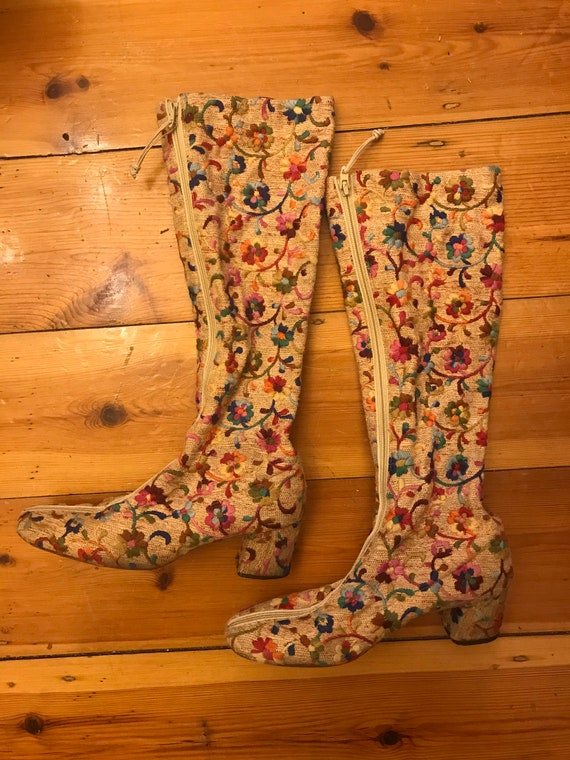 1960s 70s floral embroidered Goloboots boots 6N ra
