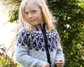 Handknitted Icelandic wool sweater for kids