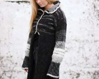 Handmade cardigan from Icelandic wool