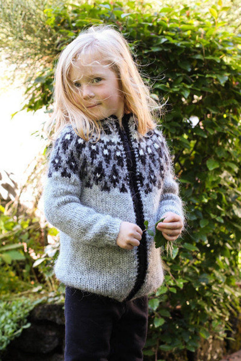 Handknitted Icelandic wool sweater for kids image 0