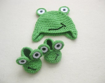 Crochet frog hat and shoes set, baby frog, baby photo prop, baby gift