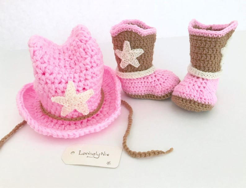 6bddeb5510600 Crochet cowboy hat and boots set for baby girl   cowgirl hat