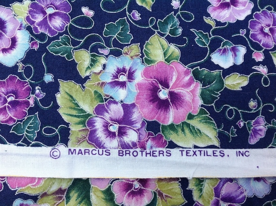 Vintage Marcus Brothers 100/% cotton Fabric Greens on White Background