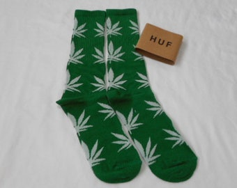 Weed Socks Green with Light Gray Leaves