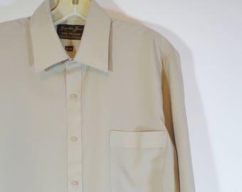 True Vintage 70s Hampton House by Van Heusen Khaki Beige Button Down Shirt with Collar, Retro Men's Fashion Leisure Wear Size XL, Normcore
