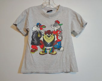 1990s Vintage Looney Tunes Double Sided 90s Sporty Sylvester Taz & Bugs Bunny Fashion Cartoon Logo Print Tee Shirt Rare Collectible Print