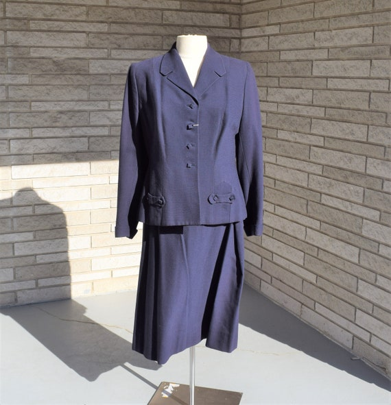 Vintage 1940s navy blue suit