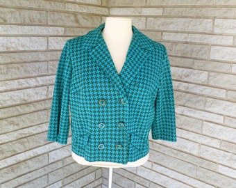 Vintage 1960s 1970s teal and green houndstooth doubleknit cropped jacket, double breasted with bracelet sleeves