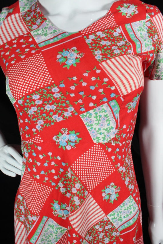 Vintage 1960s Red Patchwork Print Cotton Boho Day… - image 3