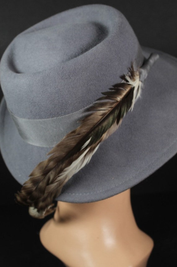 Vintage 1970s Gray Wool Women's Fedora Hat With F… - image 2