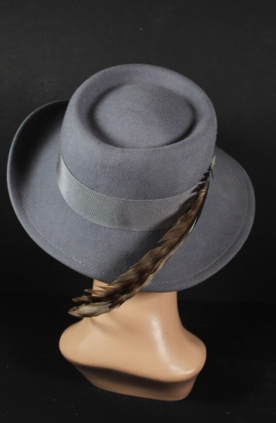 Vintage 1970s Gray Wool Women's Fedora Hat With F… - image 3