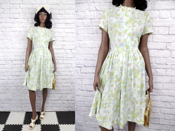 Vintage 1960s Daisy Floral Print Full Skirt Day Dr