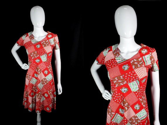 Vintage 1960s Red Patchwork Print Cotton Boho Day… - image 1
